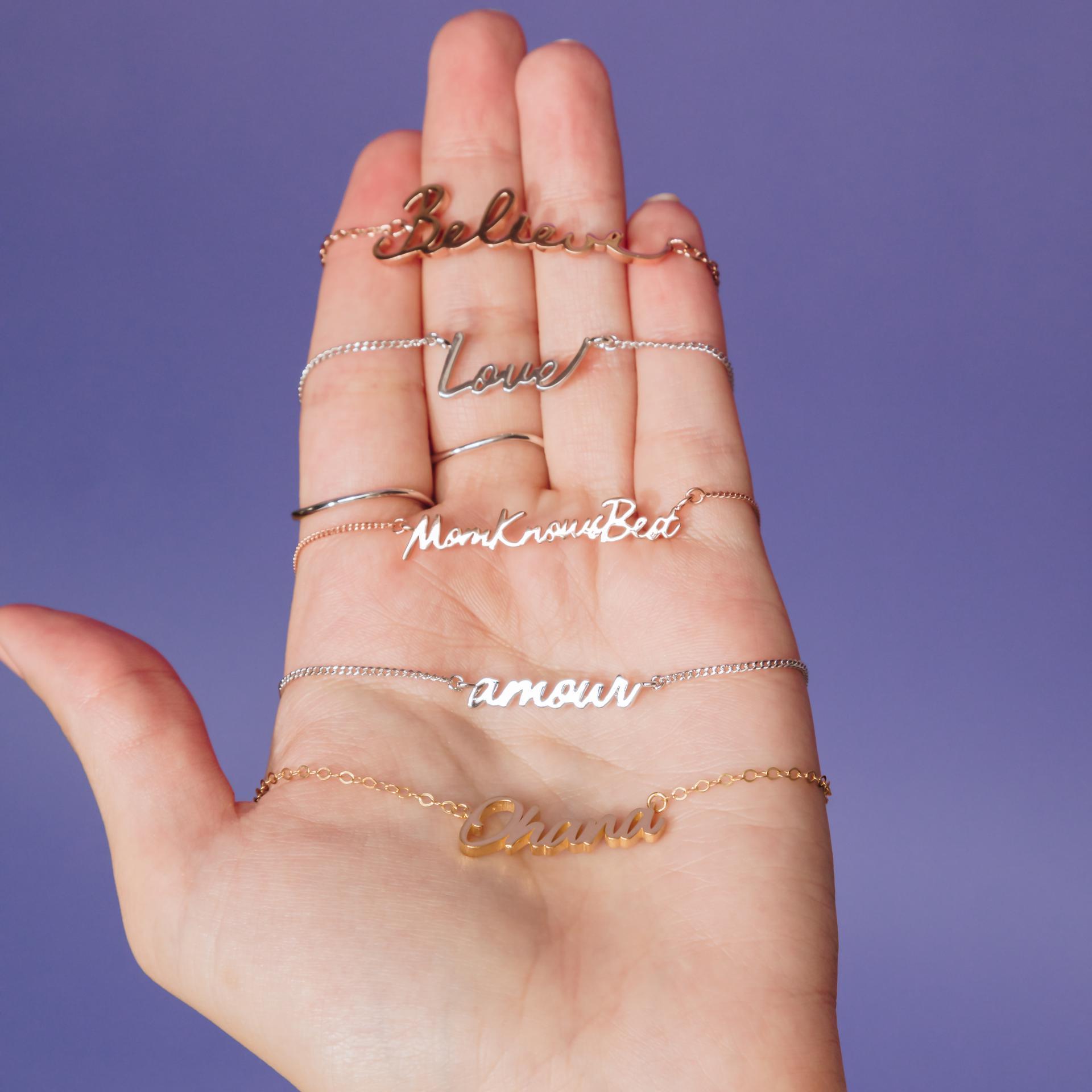 @mychicadventure honors her grandmother on a Capsul bracelet